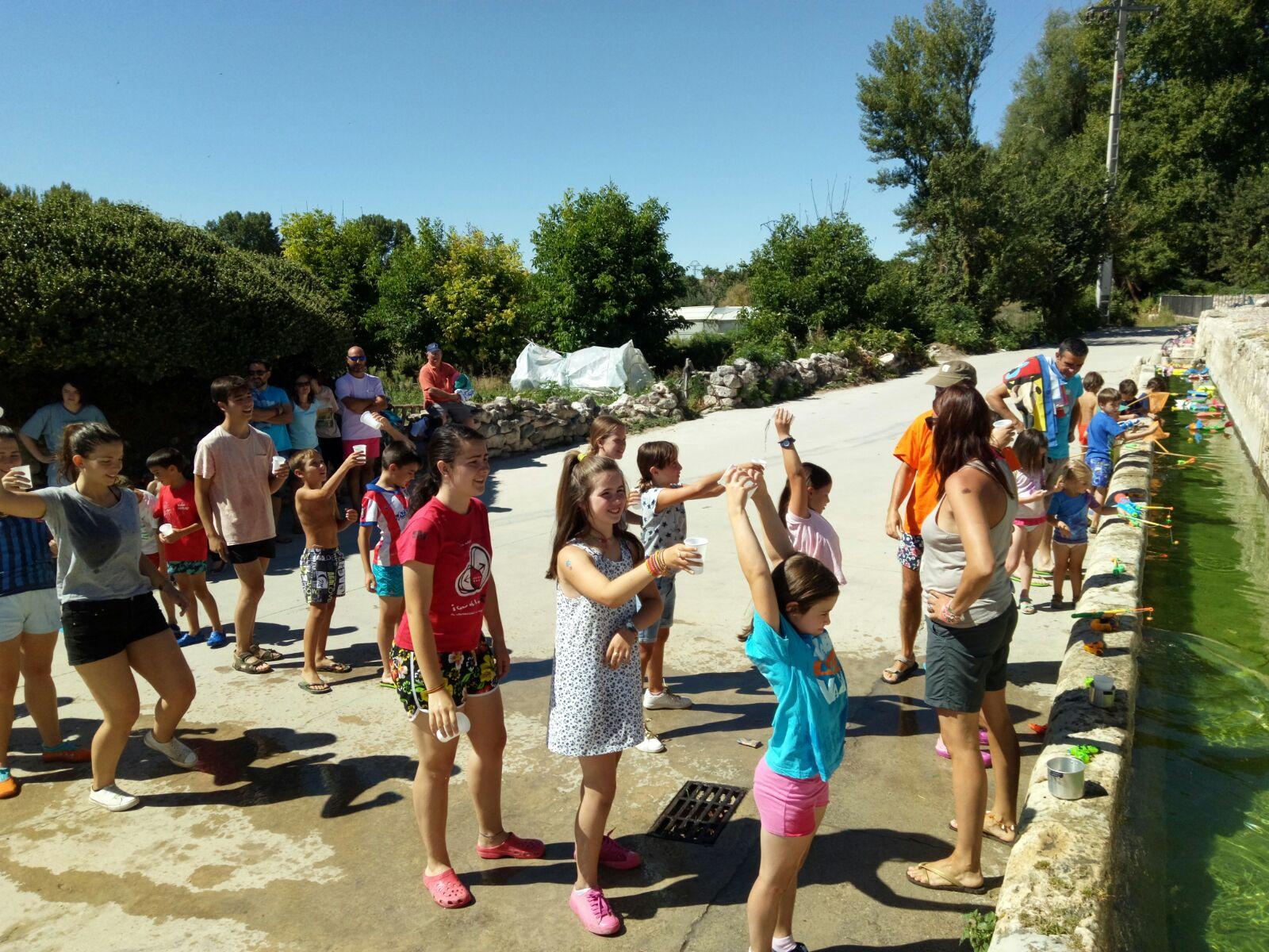 Juegos De Agua En El Cano A C Bahabon Va Bien